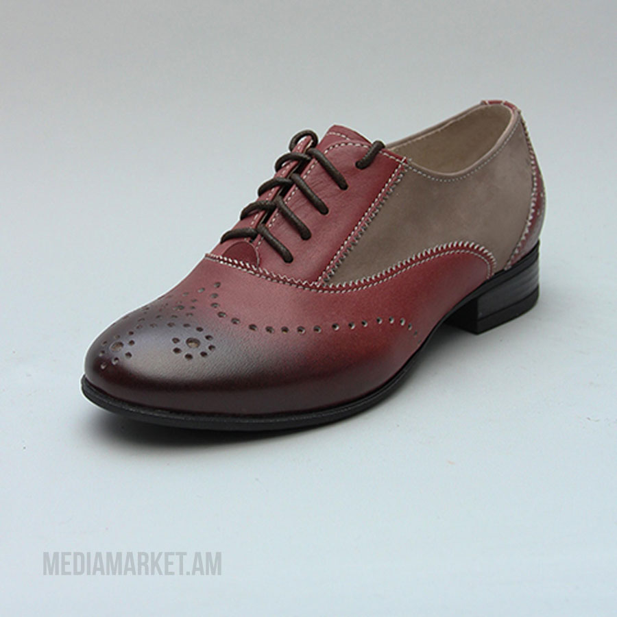 Աղջկա կոշիկ